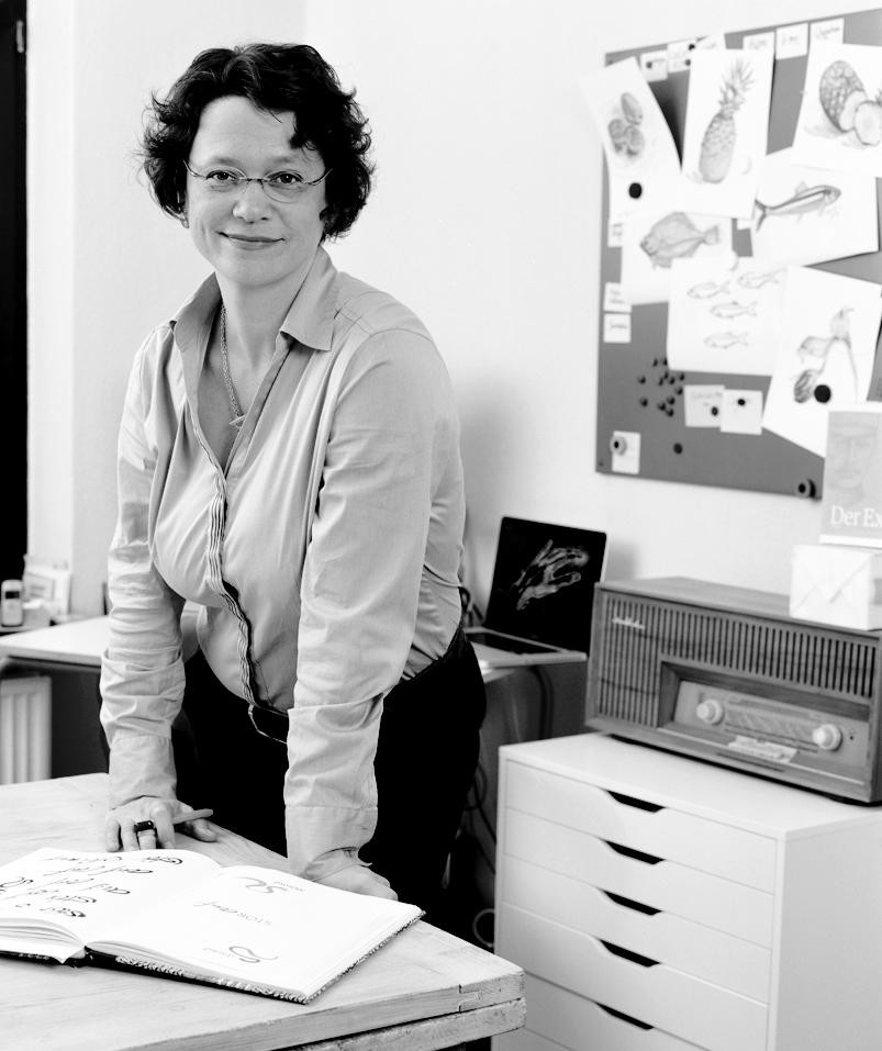 Marion von Oppeln, portraitiert in ihrem Arbeitszimmer in tzehoe.