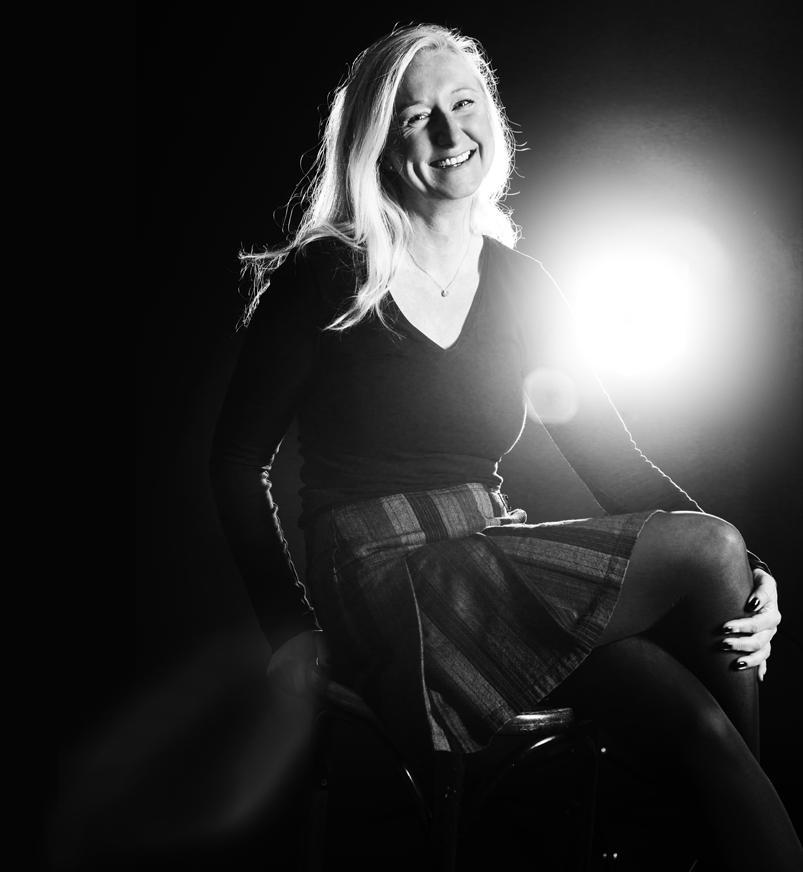 Gegenlicht-Aufnahme mit einem Normalreflektor für ein Studio-Portrait